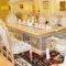 Sơn Hoa Văn Gia Tài chuyên bán sơn dát vàng tại quận 2 Tp HCM với giá rẻ